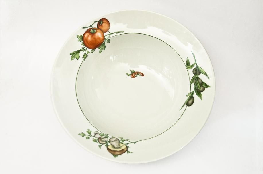 a pasta salatsch ssel tomate olive pilz hps porzellanmalerei porzellan selbst. Black Bedroom Furniture Sets. Home Design Ideas